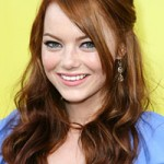 Emma Stone natural hair in Superbad